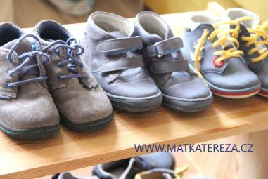 Má vaše dítě širokou nohu? 7 tipů na značky dětských bot a 4 recenze bot do 800 Kč